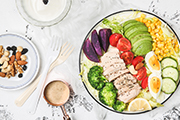 学校食堂外包需要注意食品安全保证学生能吃到营养丰富的菜品
